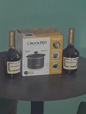 -Crock pot 750ml for Sale in Long Beach, CA