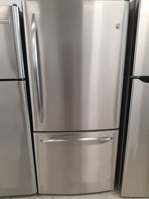 Ge stainless steel bottom freezer in good condition with 90 day's warranty for Sale in Mount Rainier, MD