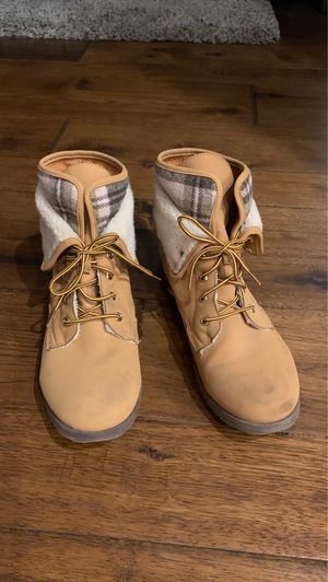 Timberland look-a-like, woman size 10 for Sale in Scottsdale, AZ