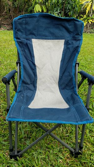 Child size fold up chair for Sale in Hilo, HI
