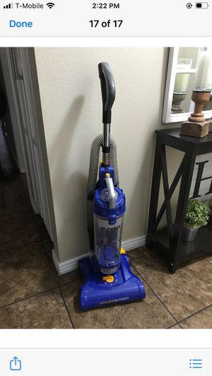 Eureka vacuum cleaner in excellent condition for Sale in Phoenix, AZ
