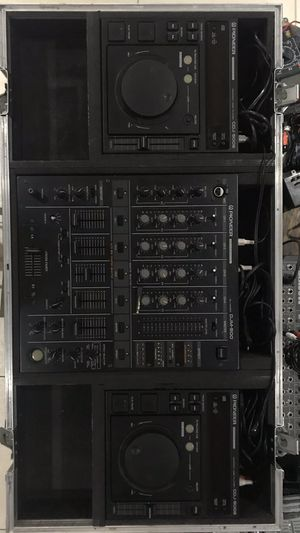 Poineer DJ equipment. Serious buyers only. Please don't make a deal and do not pick up. for Sale in Las Vegas, NV
