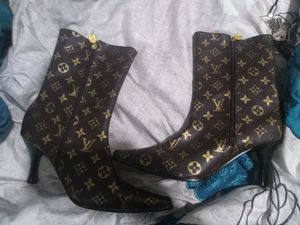 Louie vuitton high heel boots for Sale in St. Louis, MO