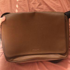 Michael Kors Men's Messenger Bag for Sale in Las Vegas, NV