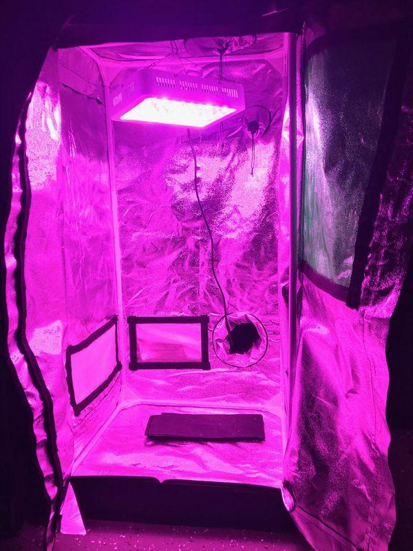 Topo Grow Tent W/ LED LIGHT