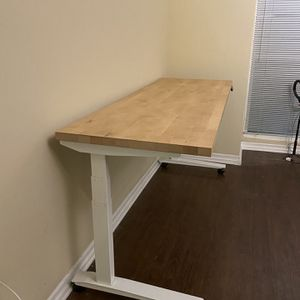 Fully Jarvis wood Standing Desk for Sale in Los Angeles, CA