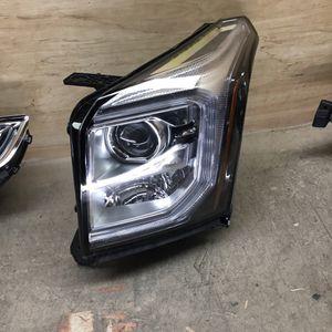 2015-2020 GMC Yukon Driver Side Headlight for Sale in San Bernardino, CA