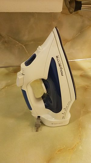 Rowenta Effective Steam Iron for Sale in Normandy Park, WA