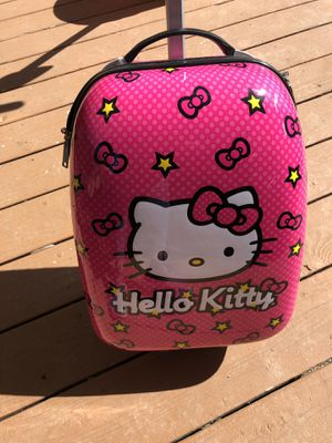 Hello kitty suitcase used for Sale in La Habra Heights, CA