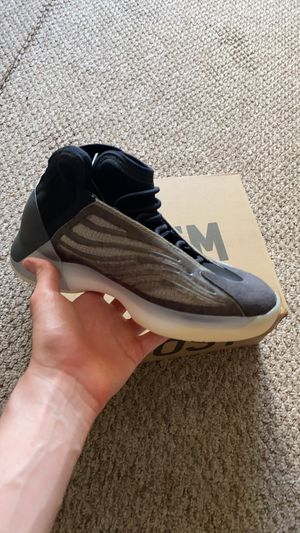 Size 7 bariums yeezy for Sale in Monroe Township, NJ