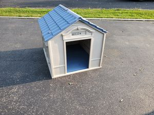 Dog house for small dog for Sale in Joliet, IL