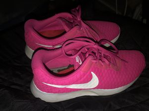 Nike sneakers women's size 8 / hot pink / excellent condition/ $5 for Sale in Phoenix, AZ