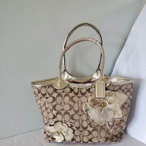 Auth Coach Flower Signature Pattern Tote Bag for Sale in Fort Lauderdale, FL