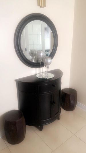 Stand and mirror brand new for Sale in Columbus, OH