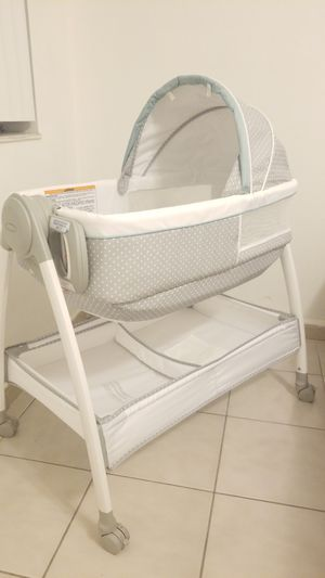 GRACO Changing Table & Bassinet for Sale in Miami, FL