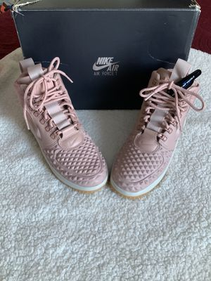 NEW Women's Nike Lunar Force 1 Duckboot Pink for Sale in The Bronx, NY