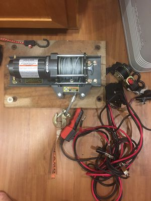 3000 Lbs Chicago winch with câbles and contrôler for Sale in Poway, CA