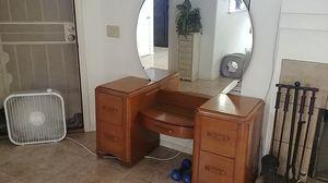 Vintage vanity with mirror for Sale in Glendale, AZ
