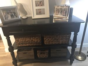 Classic console table for Sale in Tampa, FL
