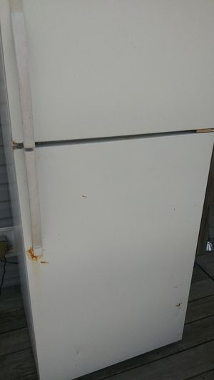 Non working Free fridge for Sale in Willards, MD