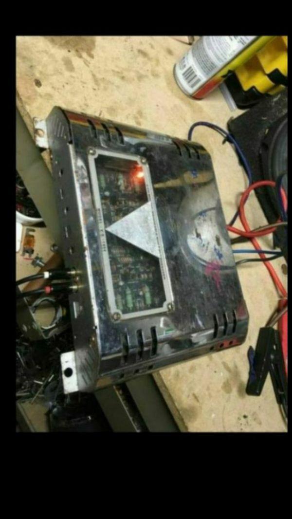 American Pro Bass Machine Model V.S.-1404 audio amplifier Old school 400 watt 2 channel!