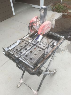 Husky Tile Saw for Sale in Bremerton, WA