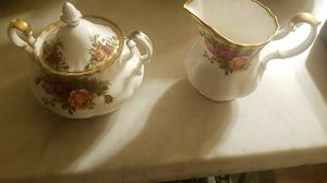 Old Country Roses Creamer And Sugar Bowl for Sale in New Freedom, PA