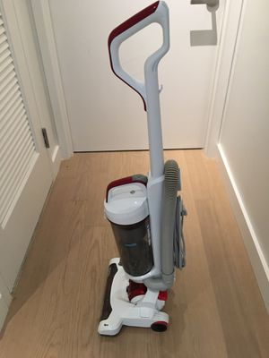 Black+Decker Light Weight AIRSWIVEL Ultra Upright Cleaner, Vacuum, Lightweight Versatile for Sale in Queens, NY
