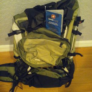 XL SWISS army hiking backpack for Sale in Apopka, FL