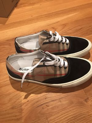 Burberry low-top size 9 for Sale in Bound Brook, NJ