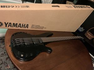 Yamaha bass guitar and amp for Sale in Garden Grove, CA