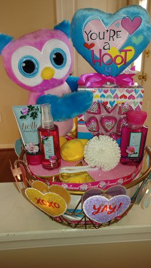 Valentines Day Gift Basket for Sale in Fort Washington, MD