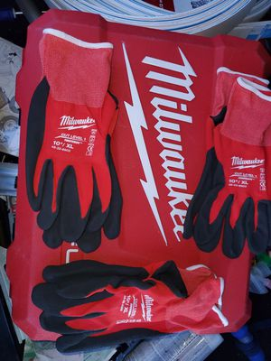 Milwaukee XL WORK GLOVES BRAND NEW NEVER USED for Sale in Fresno, CA