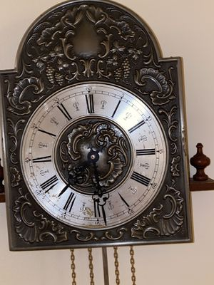 Antique wall clock beautiful pice for Sale in North Miami Beach, FL