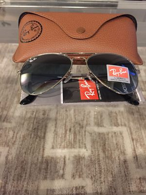 Brand New Authentic Aviator Sunglasses for Sale in North Las Vegas, NV