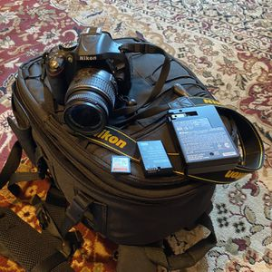 Nikon Digital Camera 🎥 D5200 for Sale in Livermore, CA