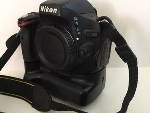 Nikon DSLR with a lot of extras $550 for Sale in Upland, CA