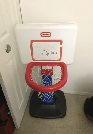 Basketball hoop for Sale in Livonia, MI