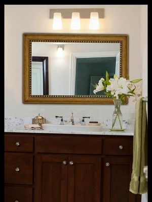 Hamilton Hills New Large Transitional Rectangle Wall Mirror. 24 X 36. for Sale in Tolleson, AZ