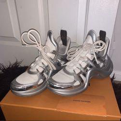 Authentic Louis Vuitton Archlight sneakers size 9 for Sale in Philadelphia,  PA
