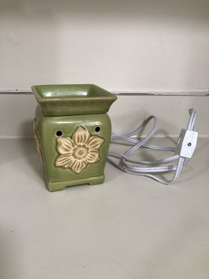 Scentsy warmer for Sale in Crofton, MD