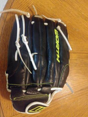 Baseball glove for Sale in Stockton, CA