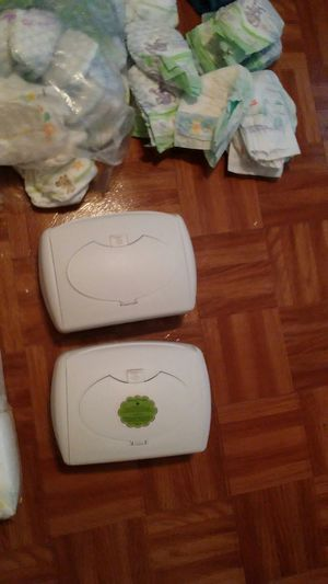 Wipes warmer and newborns pampers 1 2 and 3 for Sale in Pasadena, TX