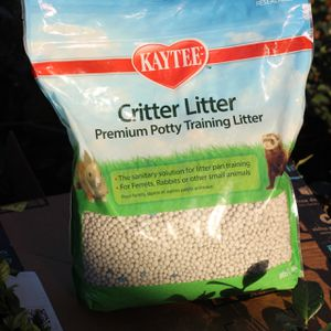 Kaytee Small Animal Potty Training Litter for Sale in Whittier, CA