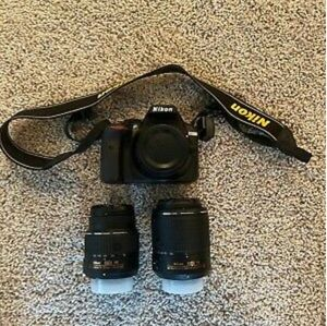 Nikon D3300 Dual VR Lens Camera Kit - 18-55mm & 55-200mm Lens - Used for Sale in Portland, OR
