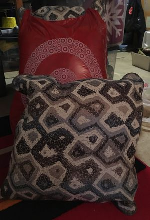 4 decorative pillows—18x18 size for Sale in Herndon, VA