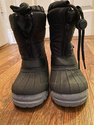 Black snow boots size 7 boys for Sale in Brooklyn, NY