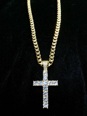 EXCLUSIVE CROSS 18K GOLD FULL DIAMONDS CZ NEW CHAIN MADE IN ITALY! ⭐️ BLACK FRIDAY EXTENDED ALL WEEK SALE!!!!! ⭐️ for Sale in Riviera Beach, FL