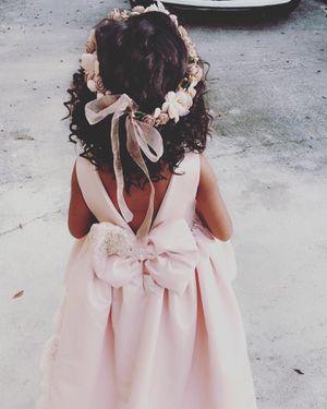 Rent dress, vestidos de renta, princess dress, vestidos de princesas, wedding dress, flowers girls dress for Sale in Hialeah, FL