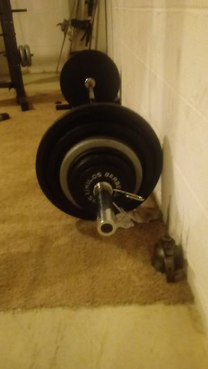 300 lbs of steel Olympic weights...like new selling stickers still on weights for Sale in Bridgewater, VA